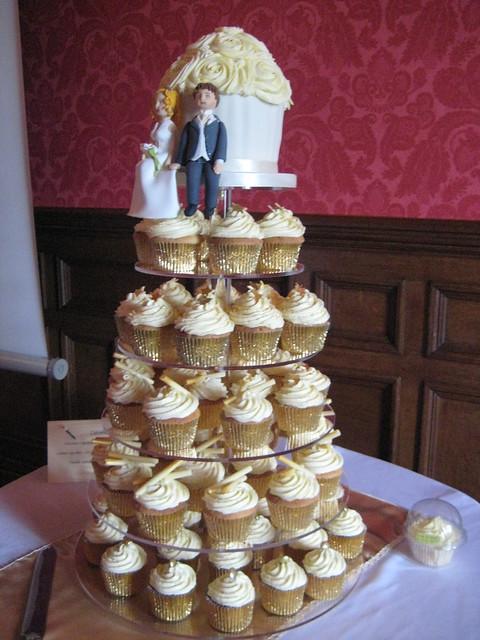 Gold Cupcake Tower Bonnoces Acrylic Cupcake Stand 4