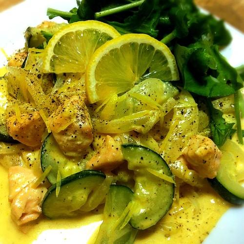 たっぷり有機野菜とサーモンのレモンクリームパスタ ♡