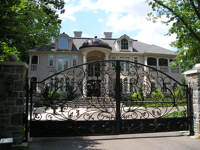 Mississauga Mansions - Doulton Drive
