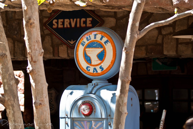 Radiator Springs Racers Queue