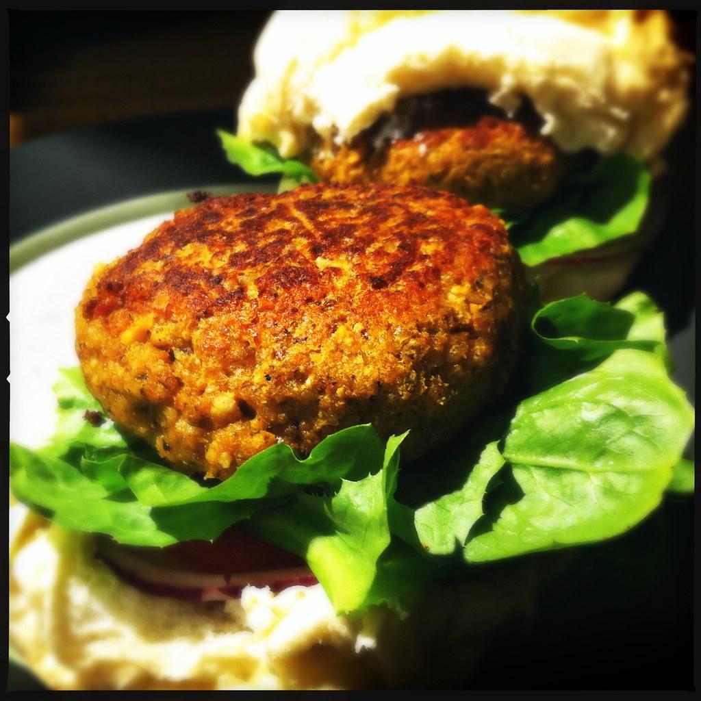homemade mushroom, cashew and leek veggie burgers!