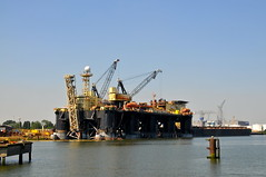 port, vehicle, transport, freight transport, ship, sea, dredging, waterway, infrastructure, oil rig,