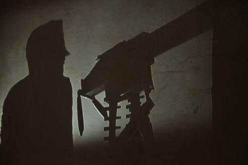 l'ombra del mitragliere / the shadow of the machinegunner