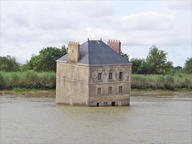 la maison dans la loire estuaire cou 235 flickr photo