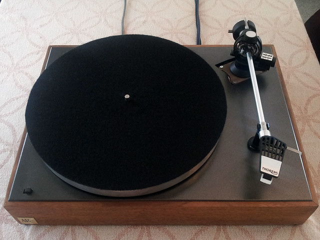 FS: Acoustic Research XA Turntable with a Thorens Tp16 Tonearm