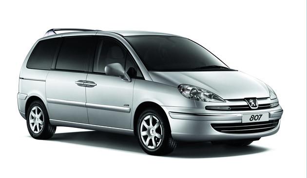Peugeot-807-2