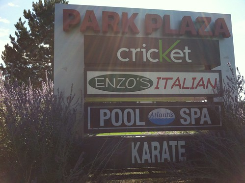 Enzo's Italian ... Pool spa