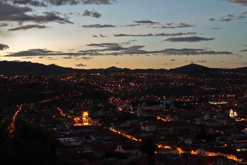 light sunset mountains night dusk bolivia sucre southamericancity longexposurelandscapebeauty pwpartlycloudy