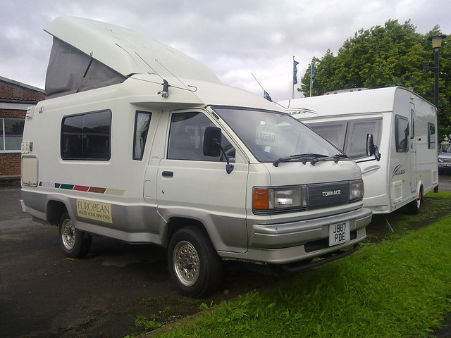 Toyota 4WD Camper http://www.flickr.com/photos/34239514@N07/7822468946/