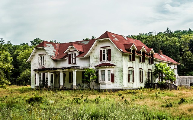 Abandoned Mansions in PA http://www.flickr.com/photos/78080172@N03/7858022482/