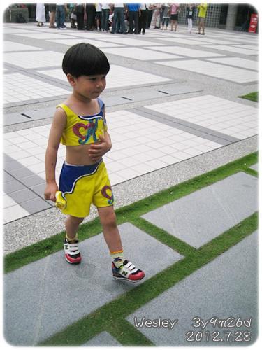 120728-穿上舞衣的小幼生 (2)