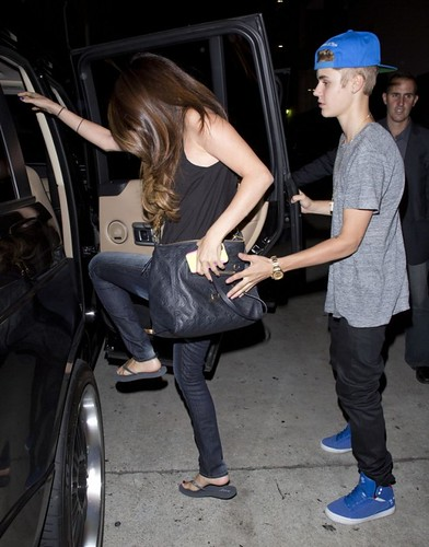 Justin and Selena Dine Together