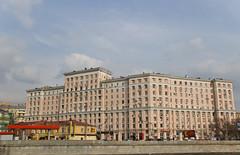 Krasnokholmskaya naberezhnaya building