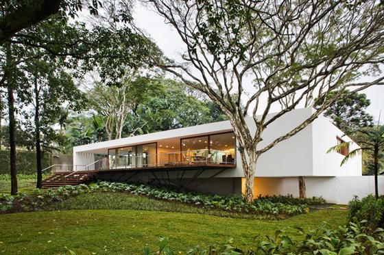 Santo Amaro House, architecture: Isay Weinfeld, photo: Nelson Kon
