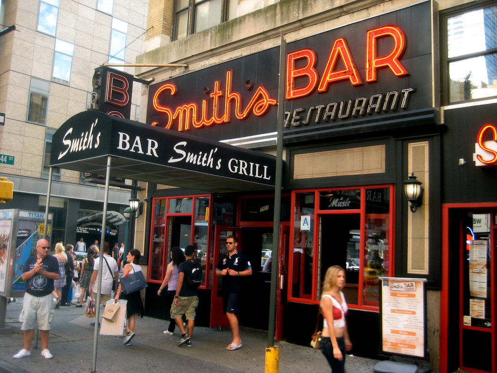 Smiths Bar Restaurant Grill on the corner of 44th Street NYC 9141