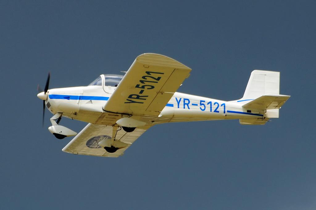 Fly-in @ Floreni - Mitingul cailor putere - Poze 7677975298_6dbd39acef_o