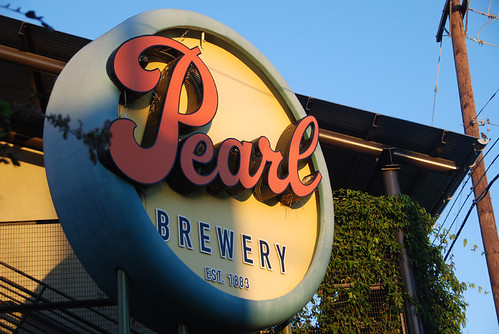 Pearl Sign