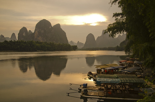 china light sunset reflection water beauty reflections landscape boats liriver evening boat guilin mountians 桂林 xingping mygearandme mygearandmepremium mygearandmebronze mygearandmesilver flickrsfinestimages1