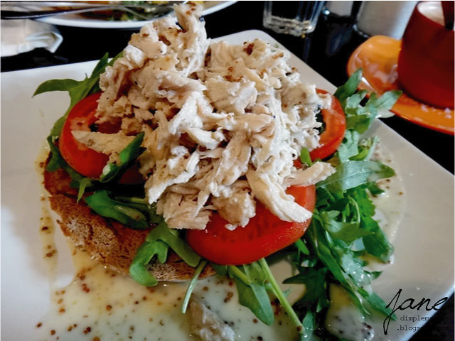 Open shredded chicken sandwich rm17