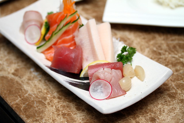 海湾寿司:生鱼片和寿司