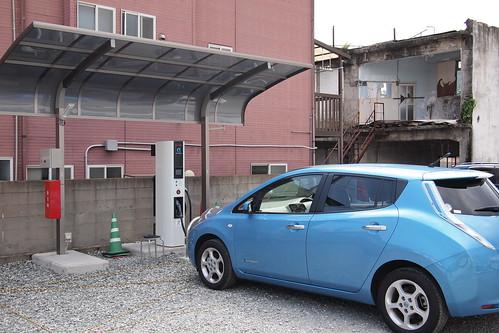 嬉野温泉(シーボルトの湯駐車場内)のEV用急速充電器