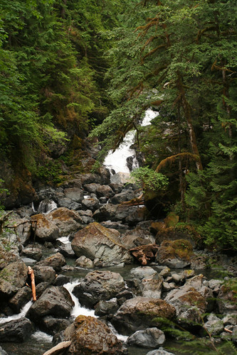 Rosewall Creek Falls