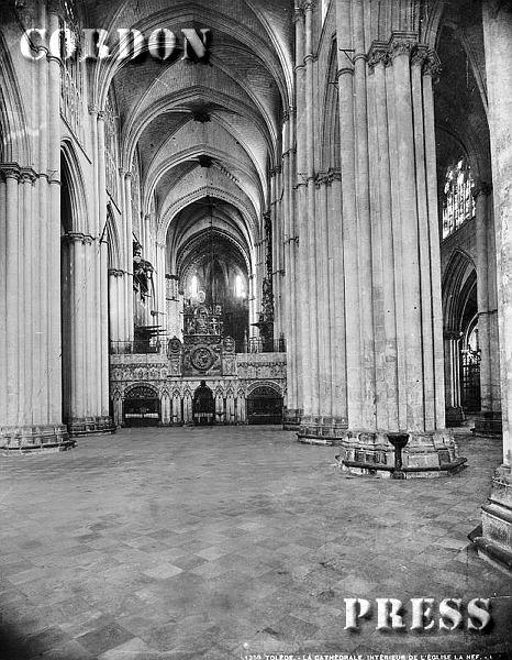 Nave principal de la Catedral de Toledo hacia 1875-80. © Léon et Lévy / Cordon Press - Roger-Viollet