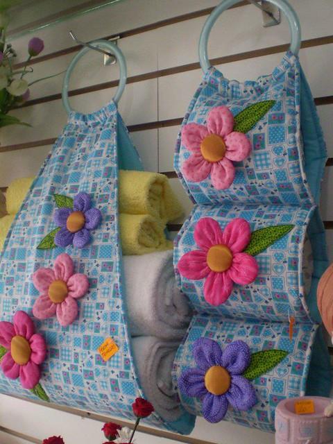 Porta toalhas e porta papel higi nicos flickr photo - Papel para banos ...