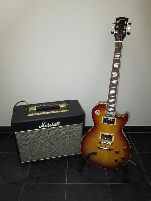Photo:Gibson Guitars  21 By Larry Ziffle