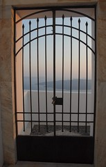 Cancello sul mare / Gate to the sea