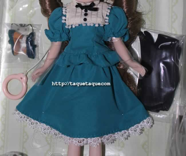 mi Blythe Very Vicky: vestido, zapatos y medias