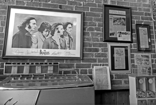 05-09-2012_The Beatles on the Wall