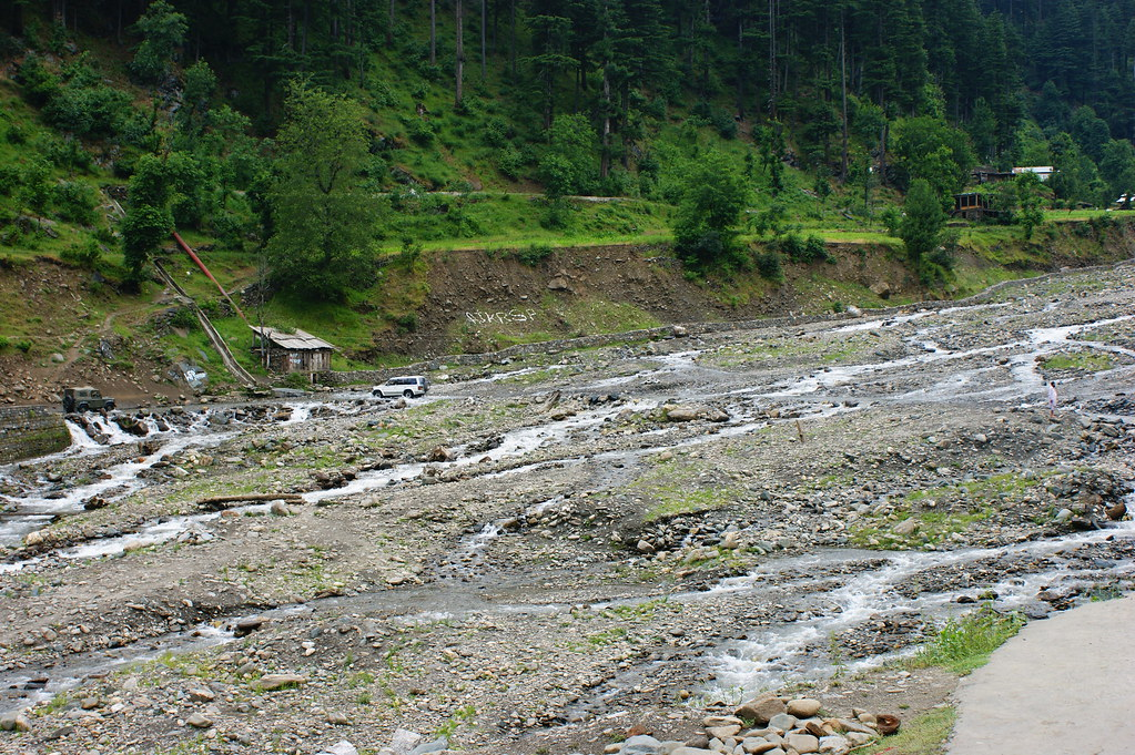 """MJC Summer 2012 Excursion to Neelum Valley with the great """"LIBRA"""" and Co - 7641941754 27021c1b95 b"""