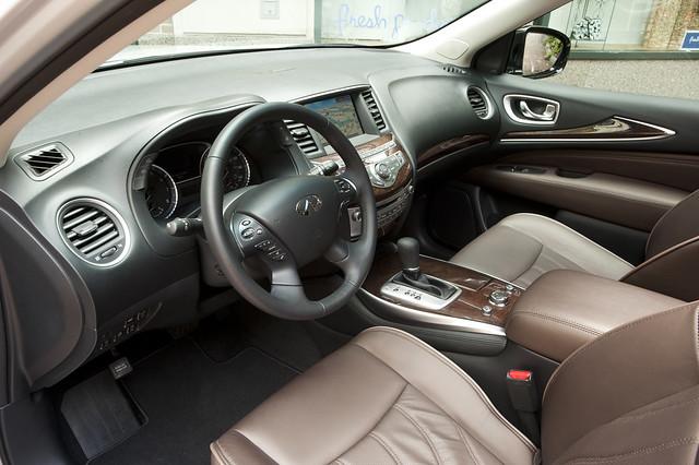 2013 Infiniti JX35 interior