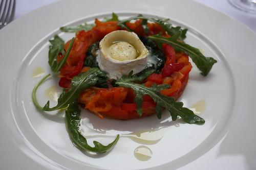 Koláč s paprikou a kozím sýrem