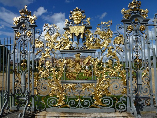 Thames Path 03 - Hampton Court Palace Gate