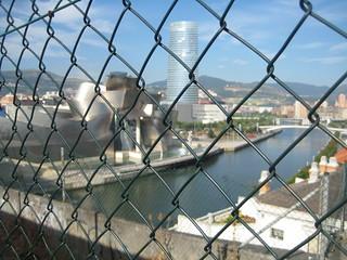 Guggenheim Bilbao alambrado