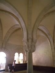 baluster(0.0), aisle(0.0), crypt(0.0), symmetry(1.0), arch(1.0), building(1.0), architecture(1.0), vault(1.0), arcade(1.0), column(1.0),