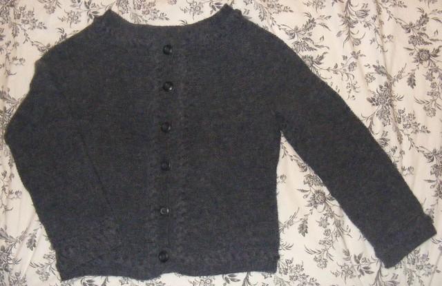 Wiosenny sweter-żakiet płasko