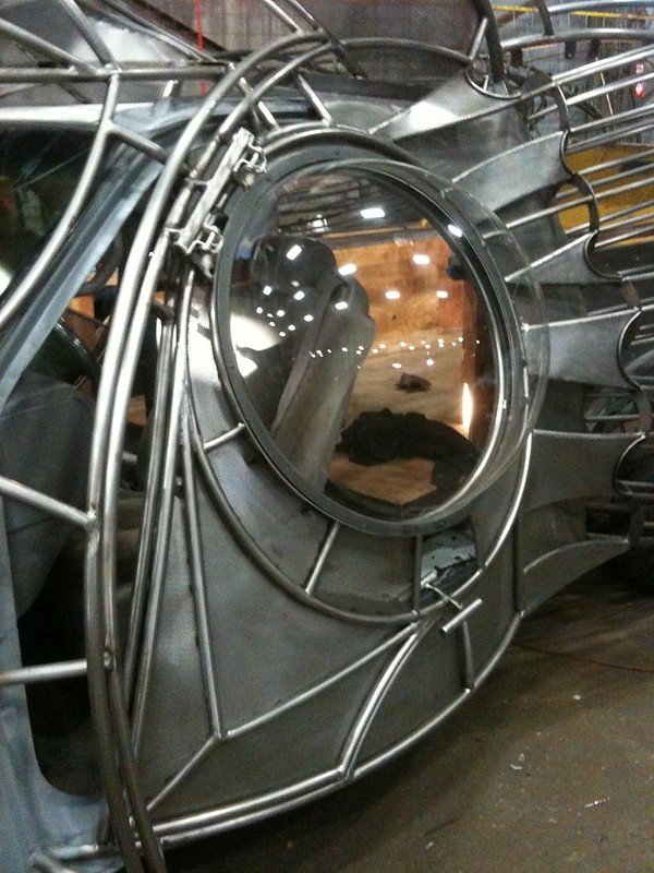 Squid Car's gullwing door with custom plexiglas-Eye Bubble Window