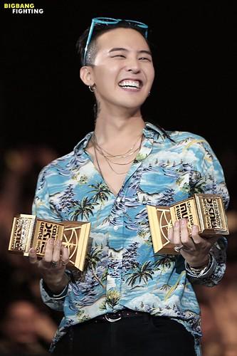 BIGBANG MAMA 2015 2015-12-02 HQs (1)