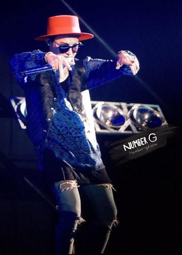 G-Dragon - Tokyo Girls Collection - 28feb2015 - Number G - 02