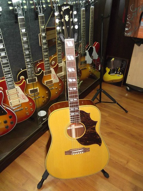 Photo:Gibson Guitars 22 By Larry Ziffle