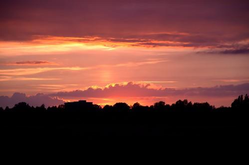 sunset sky nature silhouette landscape geotagged nikon sonnenuntergang sommer natur rosa himmel wolken lila dämmerung juli bremen landschaft sonne schwarz horizont 2012 niedersachsen farbenspiel ochtum d7000 parklinksderweser abendlicherspaziergang