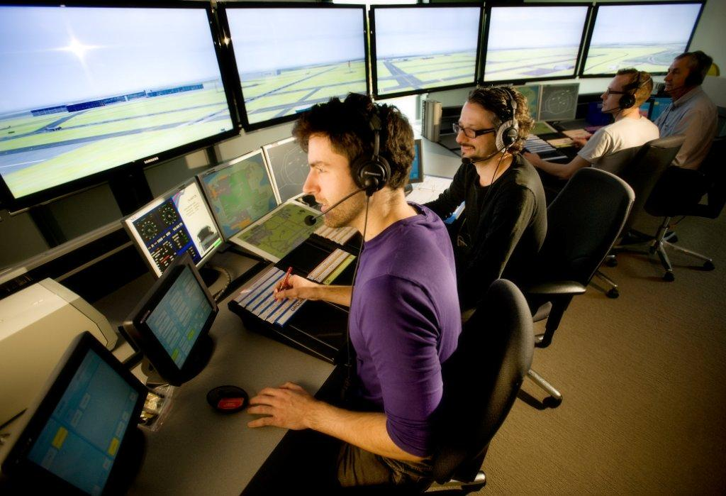 how to become an airtraffic controller australia