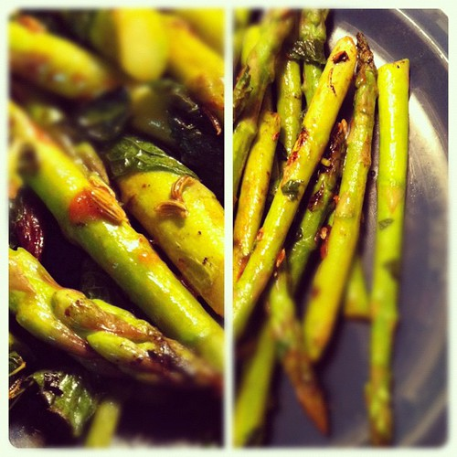 Asparagus with mint, lime, fennel seeds, doused with some mango salsa #vegan