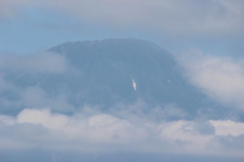 羊蹄山の山頂アップ