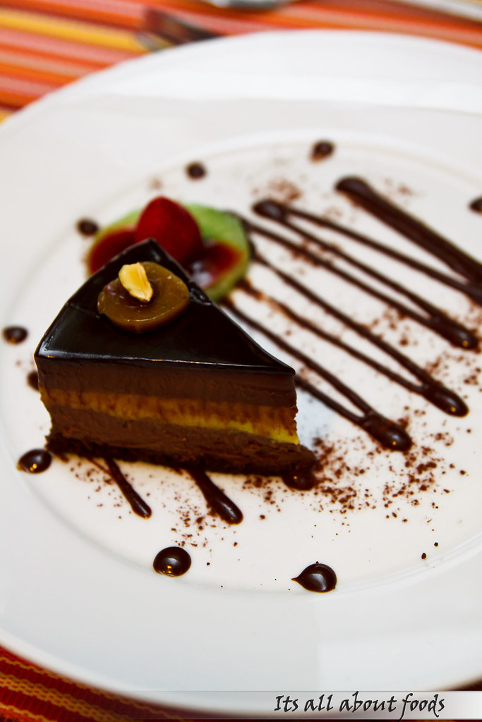dauyong-chocolate-cake-croisette-cafe