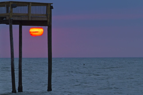 morning beach sunrise canon dawn pier am perspective maryland 7d oceancity atlanticocean redsun lookslikemars ef70200f28lisiiusm
