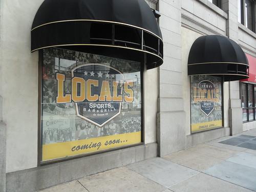 Local's Sports Bar